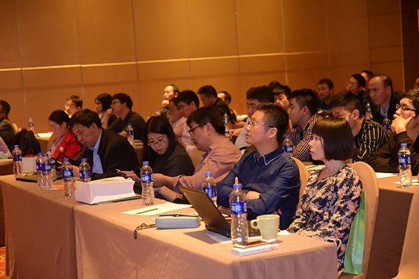 """上海领晟制冷科技有限公司举办了""""冷暖呵护,关爱环境""""为主题的产品推介会"""